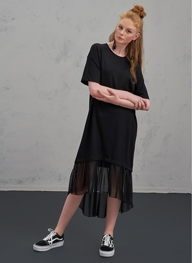 Pi π Eteği Şifon Detaylı Elbise Siyah